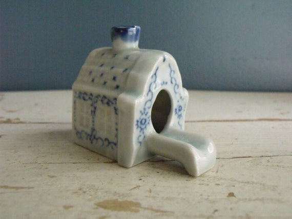 Smoking House Chimney Ash Tray Cottage Ashtray