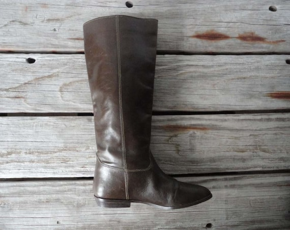 The Weekender.  Super Soft Brown Leather Riding Boots.  Size 6. Like New