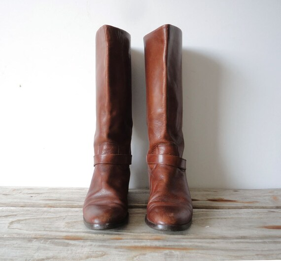 Vintage Etienne Aigner Soft Tan Leather Boots. Size 10.