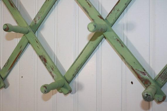 Distressed Peg Rack - Prairie Green - Cottage Chic