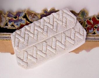 Vintage La Regale Clutch / Wedding Handbag / Evening Bag