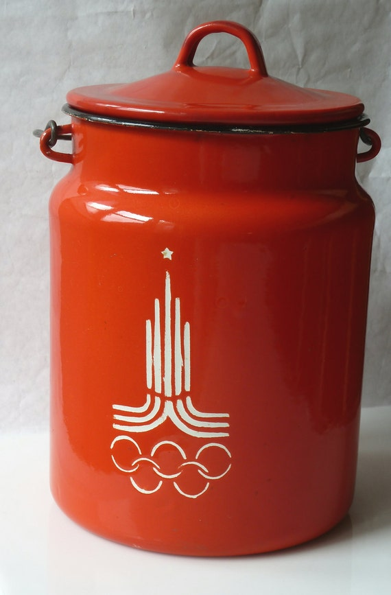 1980 Moscow Olympics Red Enamel Ware Handled Bucket Pot Container with Lid