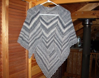 Women's Crocheted Washable Wool Shawl - Shades of White and Grey