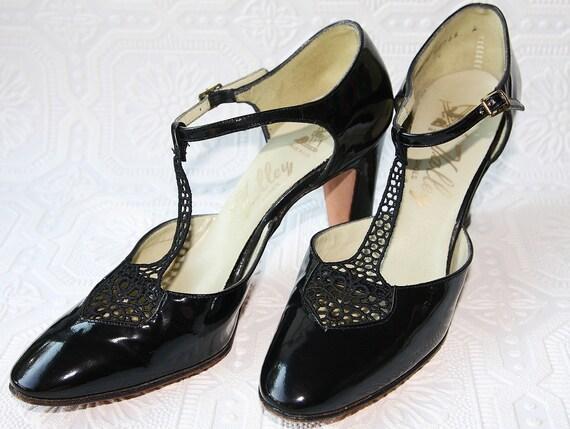 Size 6 1/2 Black Crochet Strap Mary Jane Patent Leather Heels