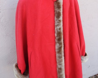 SALE 60s pink faux fur trimmed winter wool coat. Size large