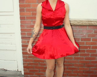 1980s sexy silky shiny red party dress. Large collar. By Just Choon California. Size small or medium 2 4 6