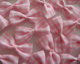 30 pcs Pink and White Plaid Fabric Bows for Sewing, Crafting, Doll's Booties, Hair accessoris, Baby Clothing, 1 inch/ 25 mm