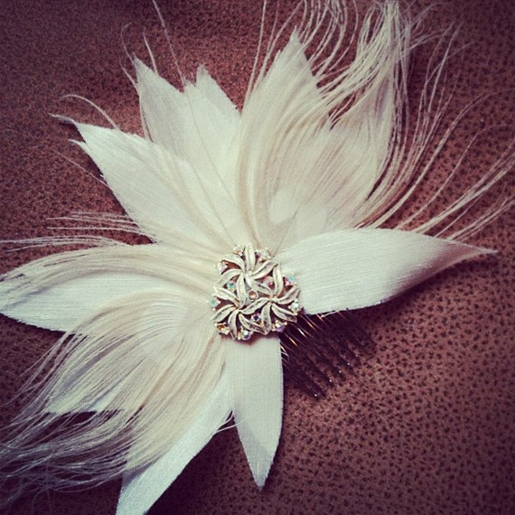 Vintage Jewelry, White Peacock Feathers, Silk Strand Bridal Headpiece