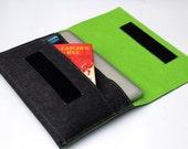 "Apple Macbook 15"" Sleeve Case Bag - Dark Gray & Lime Green - Weird.Old.Snail"