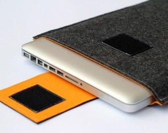 "17"" inch Apple Macbook Pro laptop Sleeve Case Cover - Dark Gray & Mustard - Weird.Old.Snail"