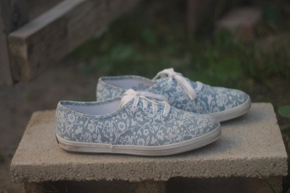 Chambray Blue and White Floral Keds in Womens 6