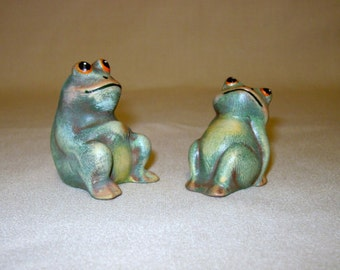 Frogs, ceramic frogs, miniature frogs