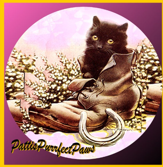 1 1/2 Fabric Cat Button -LUCKY HORSE SHOE Kitten Puss in Boot Lavender Purple Violet