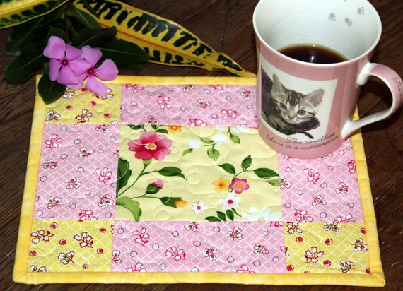 Mug Rugs yellow pink Set of two - quilted