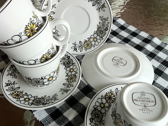 Noritake Tressa Yellow and Black Cups and Saucers, Set of 4