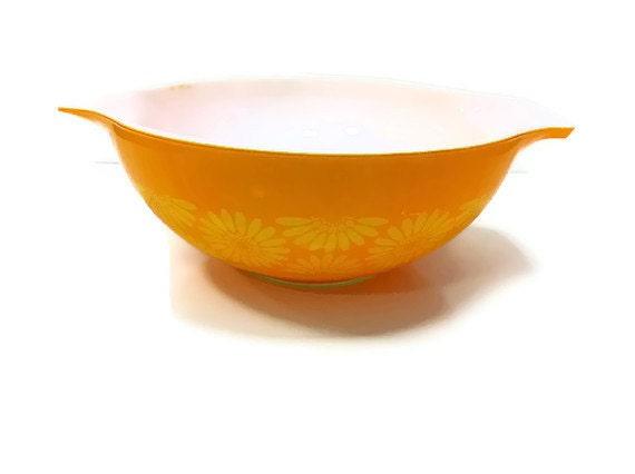 Vintage Pyrex Yellow Orange Daisy Cinderella Bowl