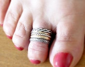 Five  toe ring  three patterned oxidated sterling silver and gold filled and gold plated adjustable