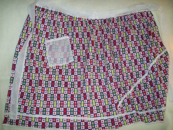 Vintage Apron Red and Green Snowflakes