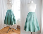 The Green Lagoon // Vintage Accordion Pleated Skirt