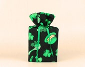 St. Patrick's Day Kleenex Box Holder/Tissue Box Cover, Shamrocks Bathroom Decoration, Irish/Celtic Bathroom Accessories.