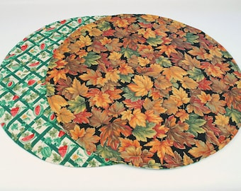 Table Round  Rou runners etsy table nd, Runner, Watermelon/Leaves Table quilted Cloth   Summer/Fall