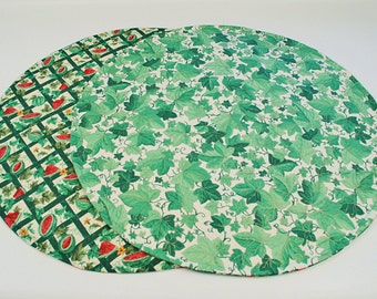 Ivy Leaves/Watermelon Table Runner, Round, Summer  Round Table Cloth,Green Table Decoration, 20 in. dia.