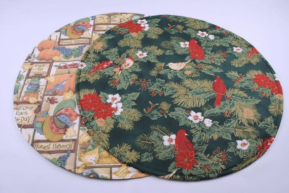 Round Table Runner for Christmas, Quilted, Reversible, Handmade, 20'' di.