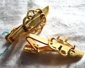 Vintage Gold Plated Tie Bar.  Holds 18x13mm cabochon. Cloud design. 2 pcs.