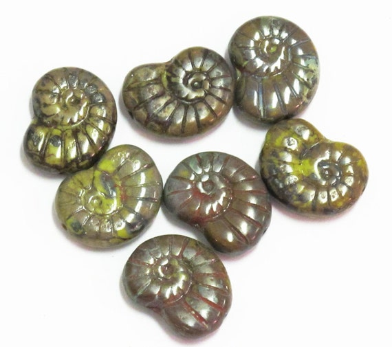 Glass Nautilus Shell Beads Picasso Green 17mm Ammonite 10pcs