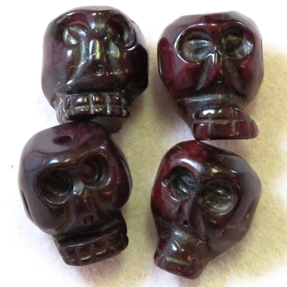 23x19mm Serpentine Skull Beads Hand Carved 2 pieces