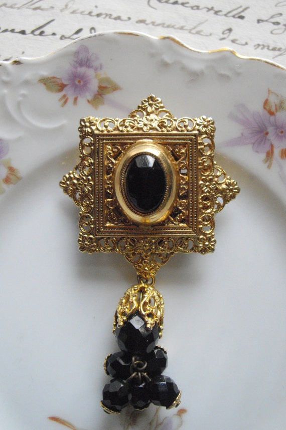 FREE SHIPPING - Vintage Late 1980s Philigree Imperial Style Brooch. (Reduced Price)