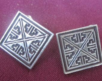 Sterling silver Celtic key pattern earrings
