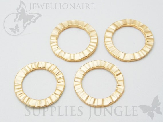 A302-03-MG// Matt Gold Plated Hammered Round Link, 4 pcs