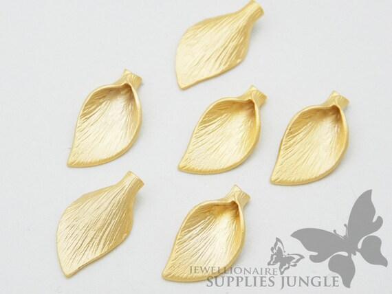 P225-01-MG// Matt 14k Gold Plated Calla Flower Beads Cap, 4Pc