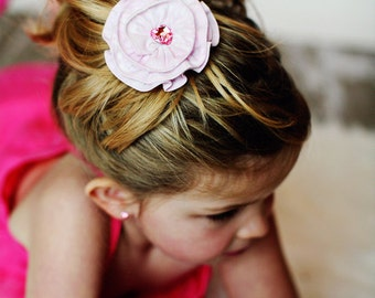 Girls Pink Flower Hair Clip, girls light pink hair bow, pink hair accessory, spring hair clip, Flower Hair Bows