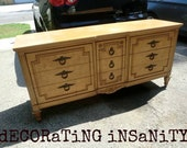 Beautiful Vintage Thomasville 9 Drawer Dresser (You Choose The Color)