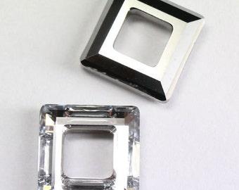 1 piece Swarovski Crystal 30mm 4439 Faceted Square Frame Pendant Comet Argent Light CAL (Clearance)