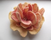 Champagne yellow and peach pink flower brooch, OOAK