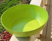 Vintage, Hollywood Regency, Mid Century Modern, Lacquered LIME GREEN Decorative Bowl