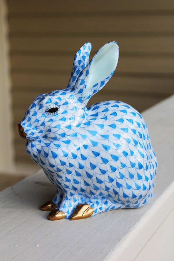 Vintage Large Blue Sitting Herend Fishnet Bunny With 24k Gold