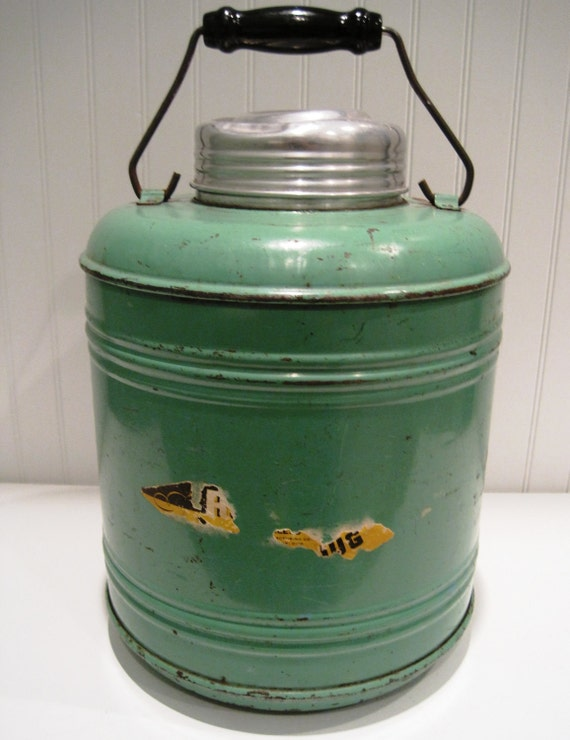 vintage pottery lined green thermos/picnic/vintage green/glamping/cabin decor/cottage decor/tailgate/fall wedding/one gallon