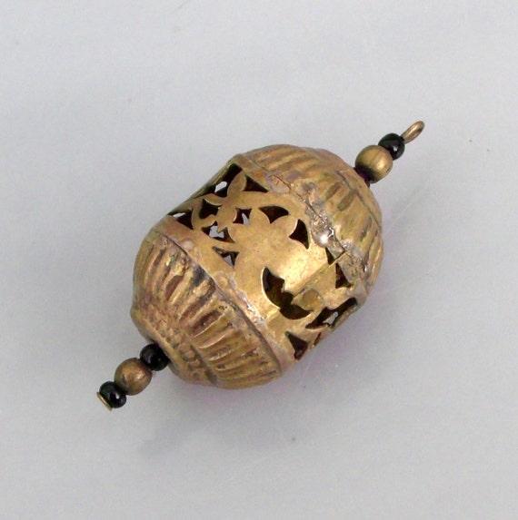 Vintage/Antique Handmade Gold Metalwork Beaded Necklace Pendant