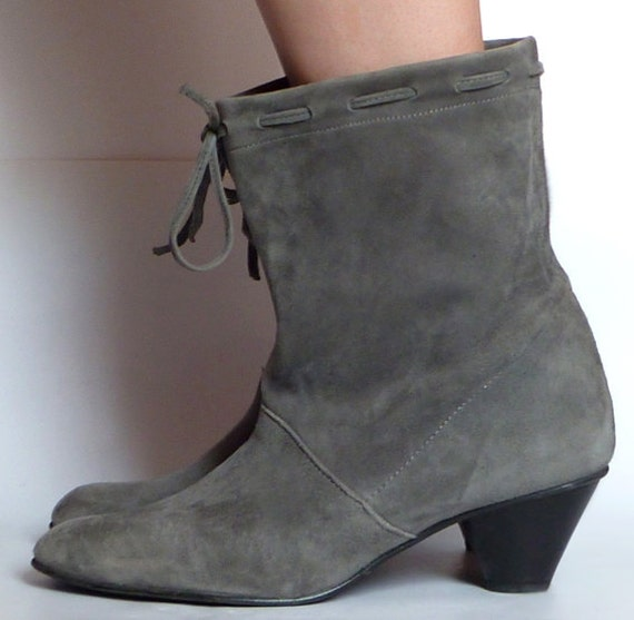 Super Cute Boho Suede Ankle Boots grey in a Danish Style Size 7UK 9US 40EU (Bottines en daim style danois)