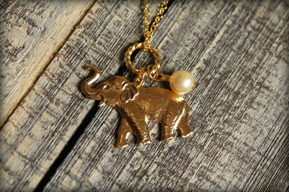 Roaring Elephant Necklace in Gold