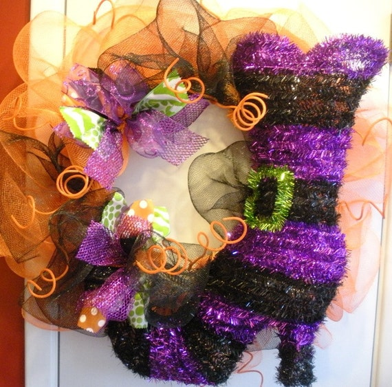 Halloween Wreath with Witches boot