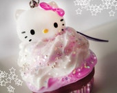 Cute kitty mini cupcakes