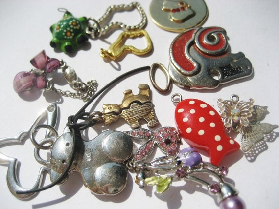 Lot of 15 Mixed Vintage and old Salvaged Animal Pet Charms Pendant Code P23
