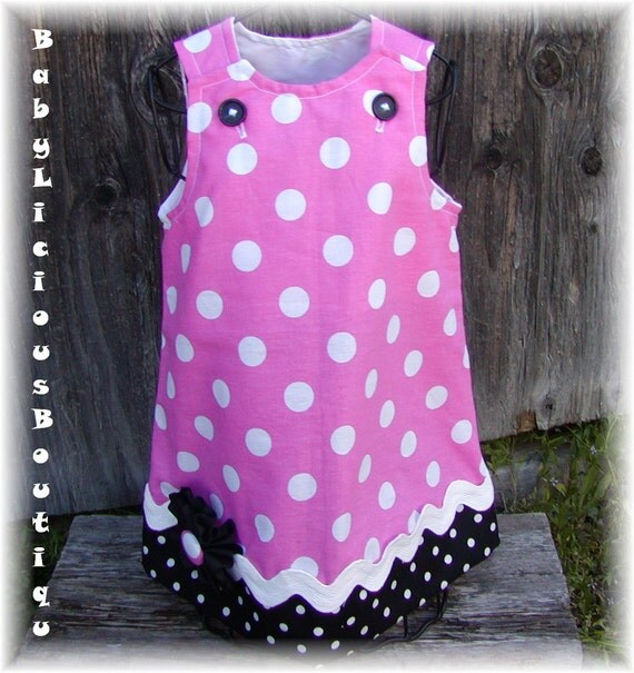 Girls Aline Dress Infant toddler birthday Custom..Minnie Mouse.sizes 0-6, 6-12, 12-18, 18-24 months, 2T, 3T..Bigger sizes AVAILABLE