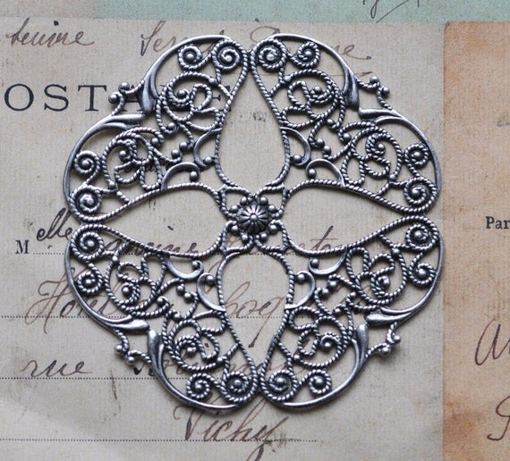 Round filigree stamping with four petals, Sterling silver finish