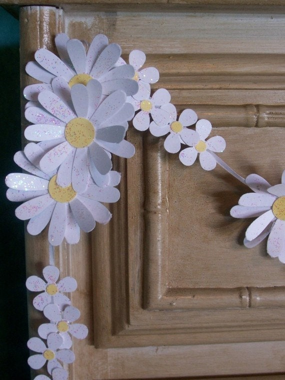 Paper Daisy Chain-Wedding Garland-Banner-Shower Decor-Tea Party-Shabby
